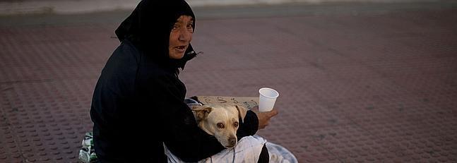 mujer-pobreza-malaga--647x231