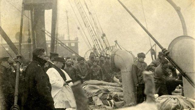 subasta-muestra-cuerpos-victimas-Titanic_EDIIMA20130930_0547_4