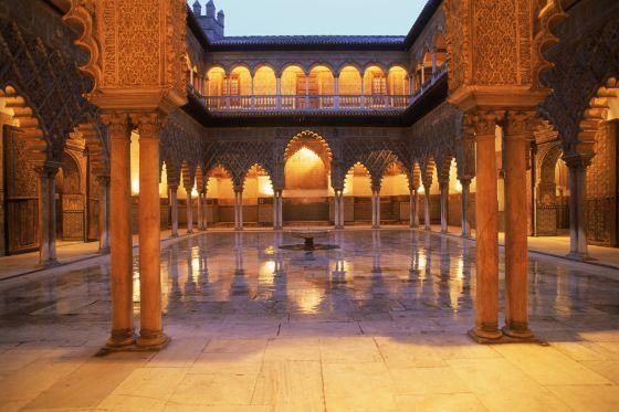 Uno de los patios del Real Alcázar de Sevilla.