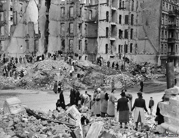 Berlín fue arrasada por los bombardeos aliados.