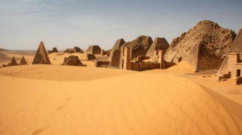 160121152422_piramides_sudan_5_640x360_viviencumming_nocredit
