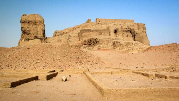 160121152718_piramides_sudan_9_640x360_viviencumming_nocredit