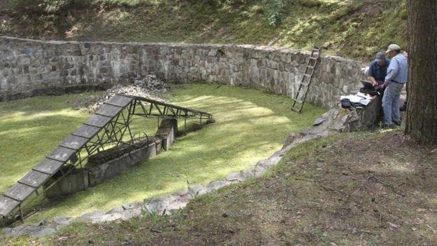 _90162592_tunel-ponar-nazi