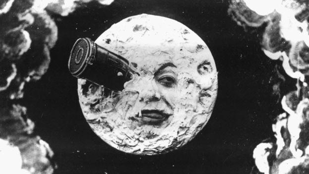 """Desde siempre, la Luna fascinó a las civilizaciones y las artes. Aquí, una escena de """"Viaje a la Luna"""" (1902), de George Meliés."""