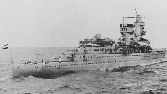 El HNLMS De Ruyter con 345 hombres a bordo fue el buque insignia del contraalmirante holandés Karel Doorman