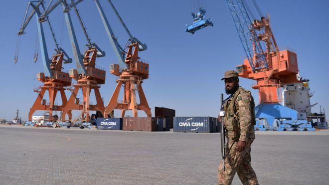 El puerto paquistaní de Gwadar, en el extremo suroccidental del corredor, ya recibió cargamentos de China.